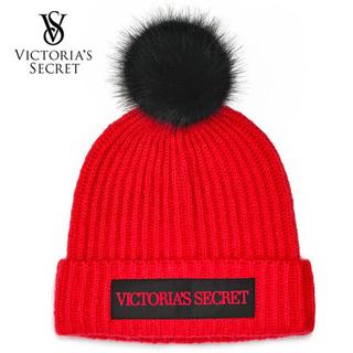 ヴィクトリアズシークレット(Victoria's Secret)のロゴポンポン ニット帽♡レッド(ニット帽/ビーニー)