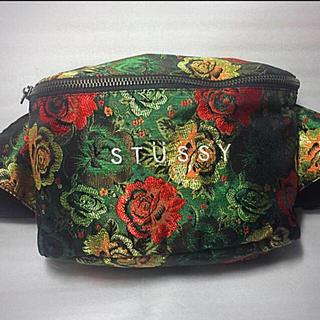ステューシー(STUSSY)の《最終値下》廃盤即完売品 stussy フラワージャカード ボディーバッグ (ボディバッグ/ウエストポーチ)