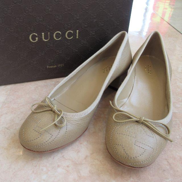 Gucci - GUCCI グッ� ロゴ刺� ローヒール パンプス ベージュ 37½�通販 by ���'s shop