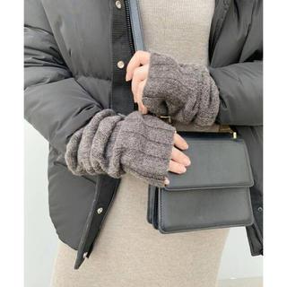アパルトモンドゥーズィエムクラス(L'Appartement DEUXIEME CLASSE)のapstudio アームウォーマー 超美品(手袋)