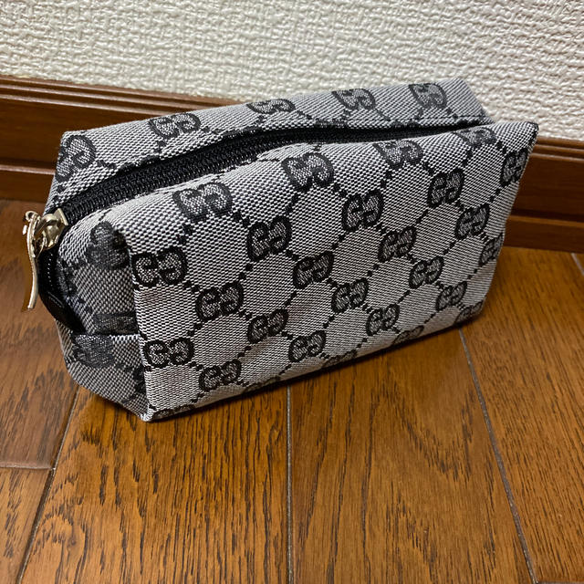 グッチ ベルト 財布 コピー / Gucci - ポーチ★新品未使用の通販 by ショコラ's shop