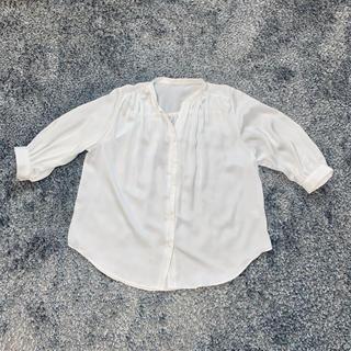 ジーユー(GU)のGU ブラウス ノーカラー 白 シャツ シフォン ⭐︎【新品 送料込み 】(シャツ/ブラウス(長袖/七分))