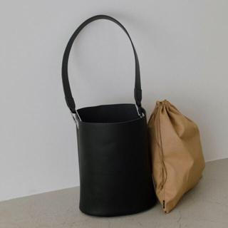 エンフォルド(ENFOLD)のRIM.ARK Leather bucket bag 新品未使用(ショルダーバッグ)