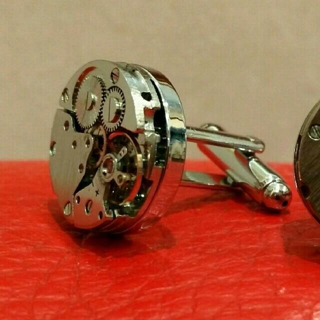 ショパール偽物 時計 最高品質販売 | 本物の時計のムーブメントのカフスボタンです。の通販 by j70515's shop