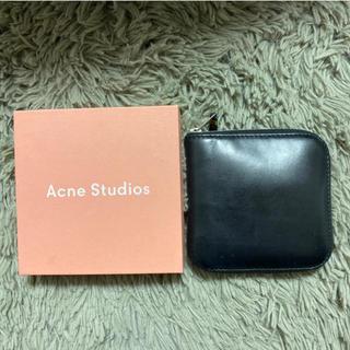 アクネ(ACNE)のアクネ ストゥディオス ブラック 二つ折り 黒 財布 サイフ(財布)