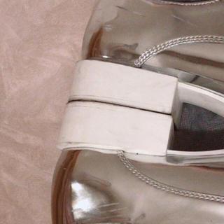 ザラ(ZARA)のシルバー靴(ローファー/革靴)