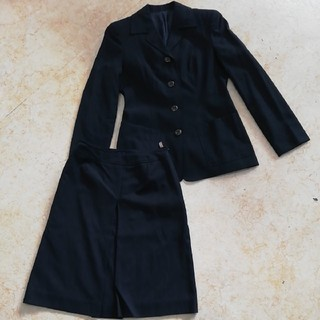 バーバリーブルーレーベル(BURBERRY BLUE LABEL)の美品バーバリーブルーレーベル上品な濃紺ウールセットアップスーツ、サイズ38、36(スーツ)