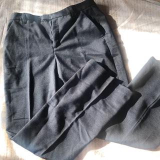 ジーユー(GU)の黒パンツ 仕事着(スーツ)