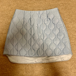 ミュウミュウ(miumiu)の美品✳︎ miumiu キルティングスカート(ミニスカート)