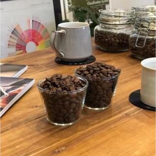 トップオブトップ コロンビア ラ・エスメラルダ農園フーリオ ピンクブルボン②(コーヒー)