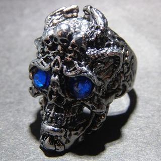 送料無料 ブルーアイ ゴシック スカル ドクロ リング 指輪 22号 メンズ(リング(指輪))