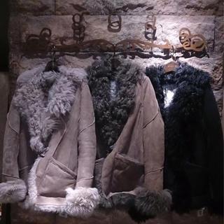 ゴア(goa)のgoaゴア☆カルガンラム羊革リアルファーレザージャケット、ファーコート中古美品(毛皮/ファーコート)