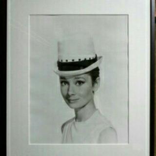 オードリーヘップバーン 美しい王道モノトーン展示物 AUDREY HEPBURN(写真額縁)