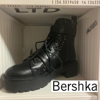 ベルシュカ(Bershka)の【新品未使用】アンクルブーツ Bershka ベルシュカ(ブーツ)