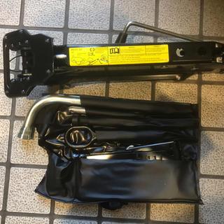 アウディ(AUDI)のジャッキ アウディ純正 工具セット max1,710kg(メンテナンス用品)