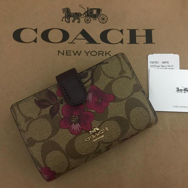 カルティエ コピー 全国無料 、 COACH - コーチ 最新作花柄 二つ折り財布の通販 by hikawa's shop
