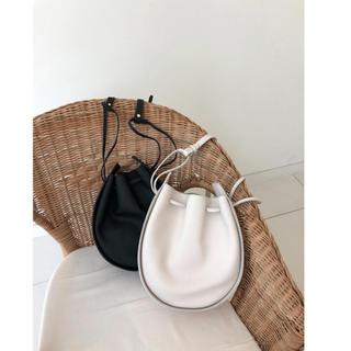 ディーホリック(dholic)の⭐︎Dholic サークル巾着ショルダーバッグ⭐︎韓国ファッション 鞄 バッグ(ショルダーバッグ)