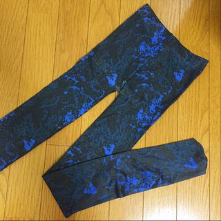 ジーユー(GU)のロイヤルブルー タイツ(タイツ/ストッキング)
