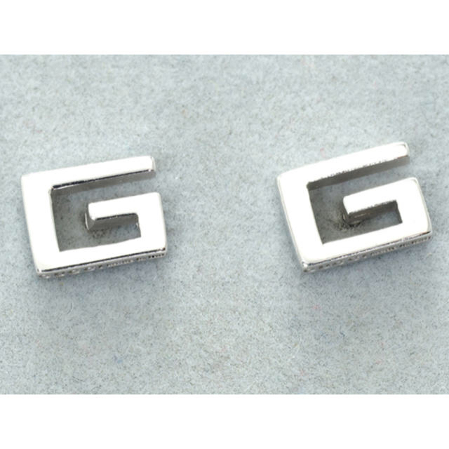 ヴィトン マルチカラー 長財布 偽物 、 Gucci - 美品⭐︎グッチ ピアス GGスタッズ ロゴ K18WGの通販 by ももも's shop