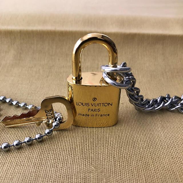 LOUIS VUITTON(ルイヴィトン)のLOUISVUITTON パドロック カデナ 南京錠 鍵有り303   メンズのアクセサリー(ネックレス)の商品写真