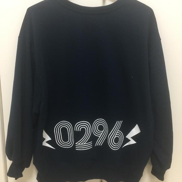 しまむら(シマムラ)の96猫×鏡音レンコラボTシャツ M レディースのトップス(Tシャツ(長袖/七分))の商品写真