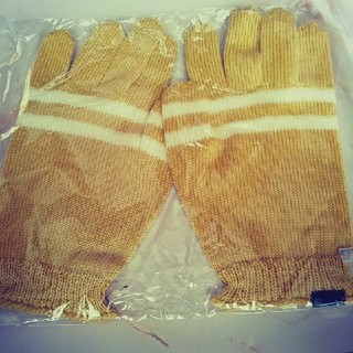 アンダーカバー(UNDERCOVER)のアンダーカバー 18aw ニット手袋 イエロー(手袋)