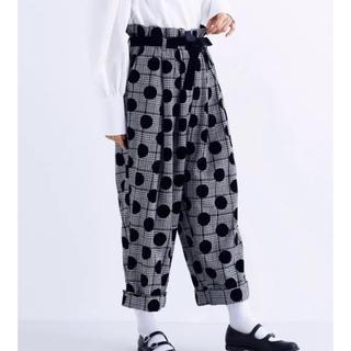 メルロー(merlot)の新品 タグ付き メルロープリュス ドット ワイド パンツ フリーサイズ ブラック(カジュアルパンツ)