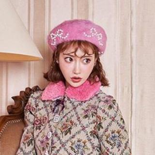 スワンキス(Swankiss)の美品Swankiss♡2019AWリボンパールベレー帽(ハンチング/ベレー帽)
