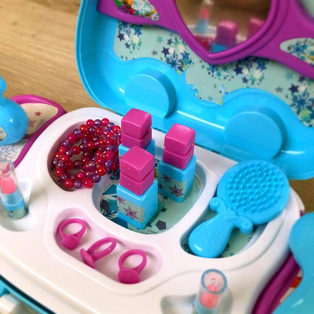 アナと雪の女王 お化粧セットメイクアップセット お化粧ドレッサー 女の子知育玩具