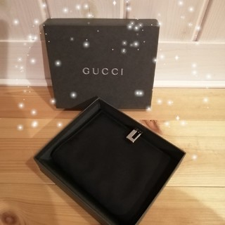 Gucci - 正規❰グッチ❱手帳土日限定セール‼️の通販