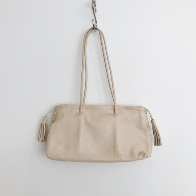 ヴィトンベルト偽物見分け方並行輸入,Gucci-GUCCIグッチオフホワイトトートバッグの通販byan'sshop