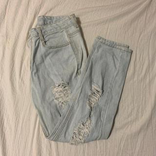 damage denim pants