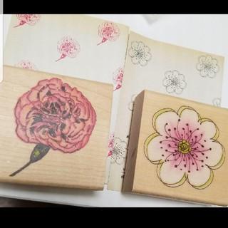 フェリシモ(FELISSIMO)のイングリッシュガーデンのような可憐なお花を紙に咲かせるスタンプ♡二点セット(印鑑/スタンプ/朱肉)