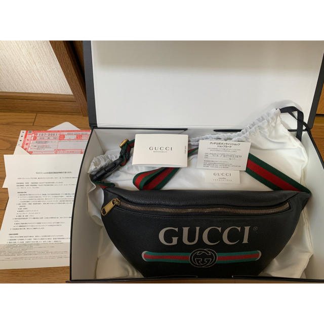 Gucci - GUCCI(グッチ )レザーベルトバッグ (ボディバッグ)の通販 by it's shop