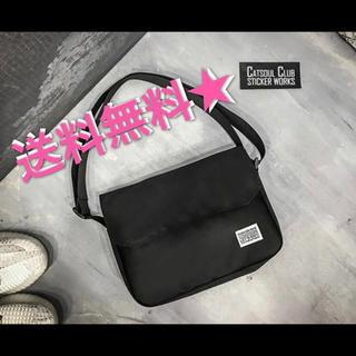 【新品 ショルダーバッグ メッセンジャーバッグ 男女兼用 ブラック】(ショルダーバッグ)