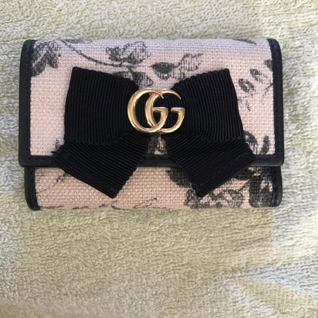 アクセサリー ワークショップ 東京 | Gucci - GUCCI リボンキーケース の通販 by どりんぞく