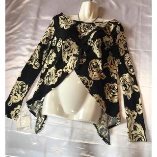 ◆新品タグ付き◆バイカラー薔薇柄◆ニットカットソー◆ウッドクロスネックレス付き(ニット/セーター)