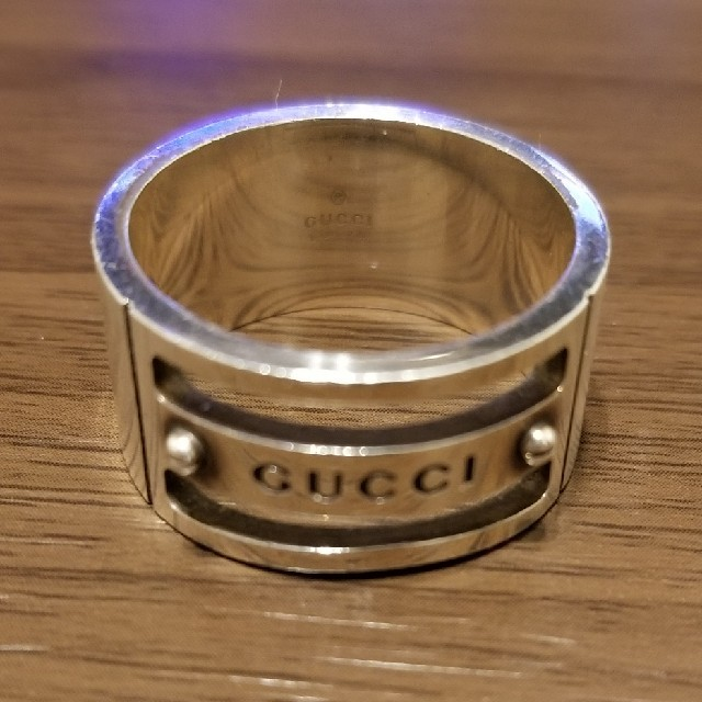 n アクセサリー - Gucci - 大きいサイズのGUCCIのシルバーリングの通販 by SMILE GETTERS