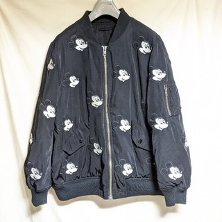 ディズニー(Disney)のDisneyミッキーマウス刺繍総柄リバーシブルMA-1ジャケット(ブルゾン)
