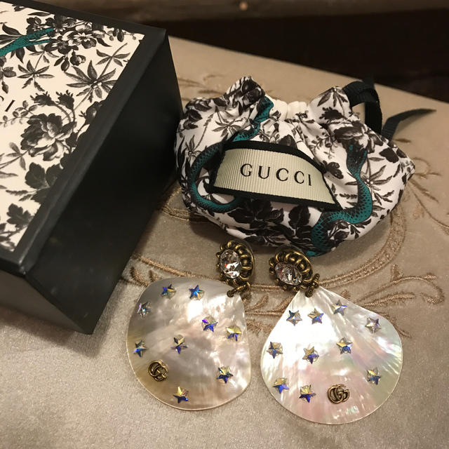 Gucci - GUCCI グッチ ピアス  シェル レア物 星 箱付きの通販 by gracias's shop