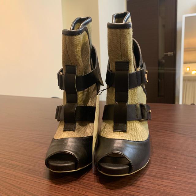 Stella McCartney(ステラマッカートニー)のステラマッカートニー ピンヒールブーティ カーキ  36サイズ レディースの靴/シューズ(ブーティ)の商品写真