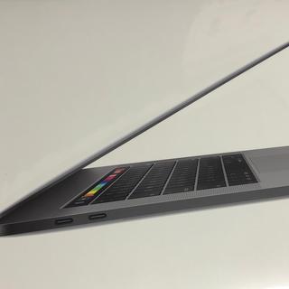 マック(MAC)のMacBook Pro 2019モデル 15インチ (ノートPC)