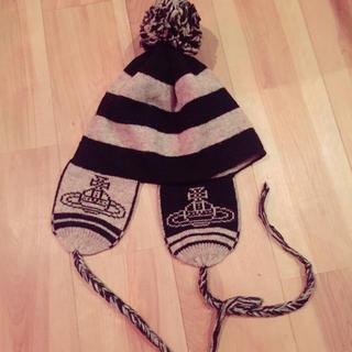 ヴィヴィアンウエストウッド(Vivienne Westwood)のヴィヴィアン 耳当て付きニット帽(ニット帽/ビーニー)