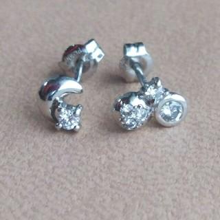 りおぴい様専用☆【Pt900】◆ダイヤモンドのピアス/片方のデザイン違い(ピアス)