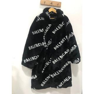 バレンシアガ(Balenciaga)のBALENCIAGA★バレンシアガ ロゴ コート(毛皮/ファーコート)