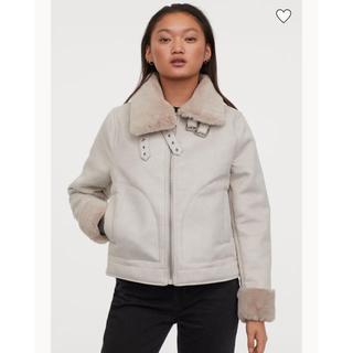 エイチアンドエム(H&M)のフェイクファーラインドジャケット(毛皮/ファーコート)