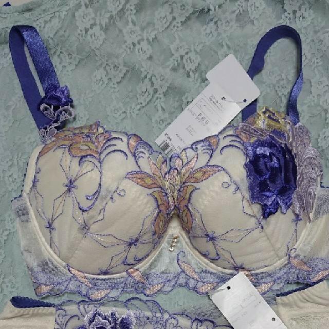 Wacoal(ワコール)のサルート ブラ ショーツ 92グループ ジャンヌダルク レディースの下着/アンダーウェア(ブラ&ショーツセット)の商品写真