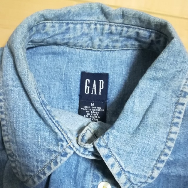 GAP(ギャップ)のGAP デニム半袖シャツ レディースのトップス(シャツ/ブラウス(半袖/袖なし))の商品写真