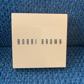 ボビイブラウン(BOBBI BROWN)のボビィブラウン イルミネイティングパウダー(フェイスパウダー)