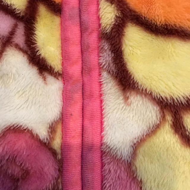 サンリオ(サンリオ)のサンリオ キティ ベスト キッズ/ベビー/マタニティのキッズ服女の子用(90cm~)(その他)の商品写真